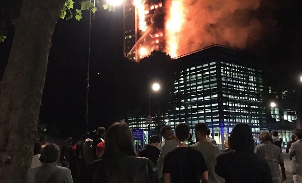 Лондон хотод томоохон гал түймэр гарчээ